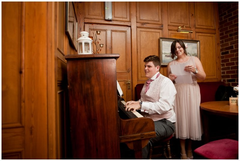 Photography of entertainment at Ringwood wedding