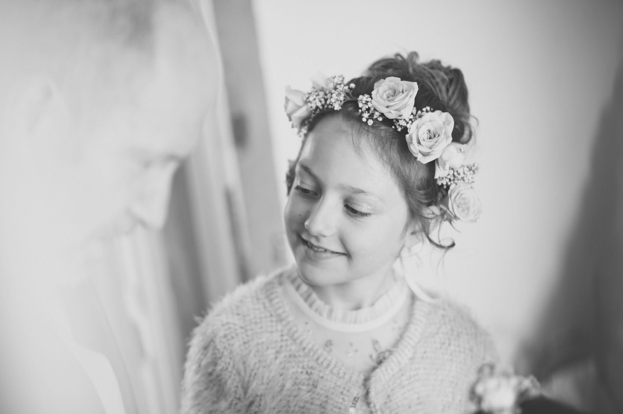 Hampshire Photography of Bridesmaid Flower Crown